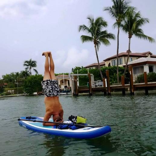 UREY - paddle board yoga